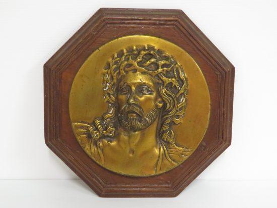 Lote: 7 - Lote: 7 - Cristo en bronce con relieve