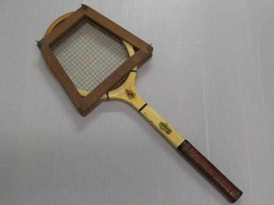 Lote: 10 - Lote: 10 - Raqueta de tenis antigua