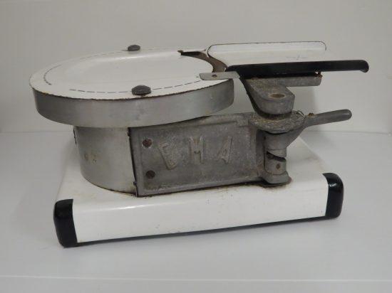 Lote: 14 - Lote: 14 - Maquina antigua de picar fiambre