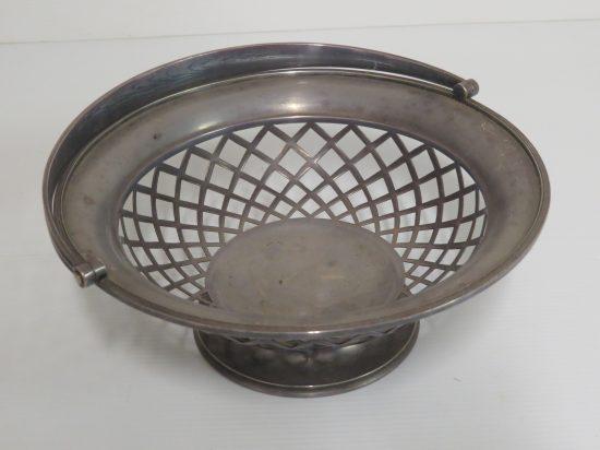 Lote: 11 - Lote: 11 - Centro de mesa en metal platinado