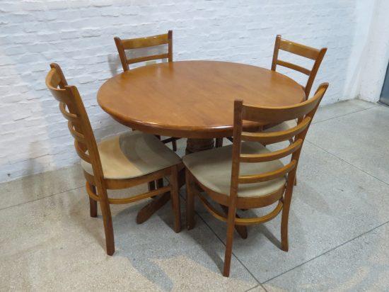 Lote: 31 - Lote: 31 - Comedor con mesa circular
