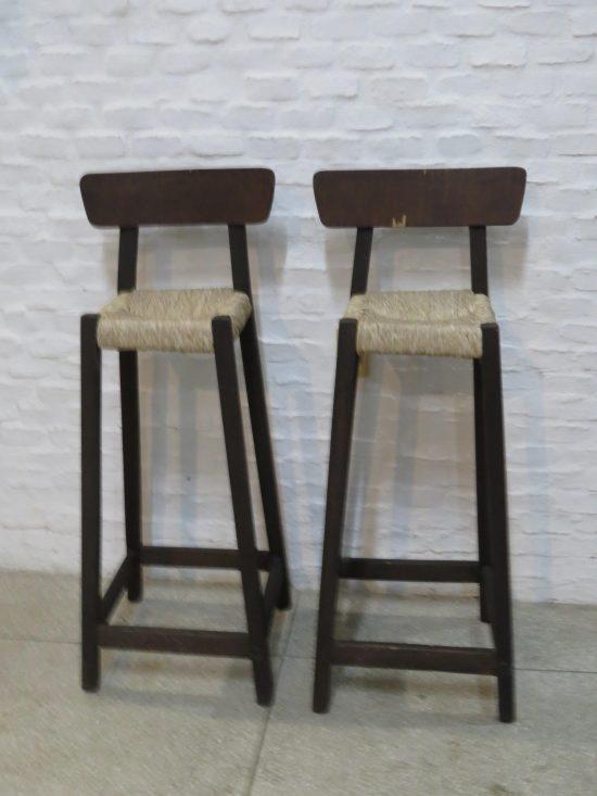 Lote: 19 - Lote: 19 - Par de taburetes asiento de totora