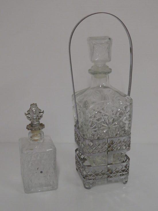 Lote: 7 - Lote: 7 - 2 botellones en vidrio tallado.
