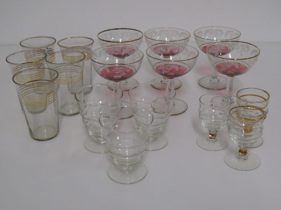 Lote: 101 - Lote: 101 - Lote de copas y vasos