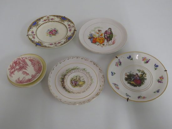 Lote: 98 - Lote: 98 - 9 platos decorativos