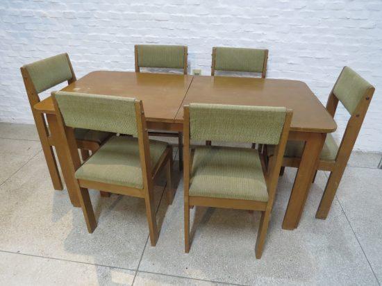 Lote: 68 - Lote: 68 - Mesa con 6 sillas