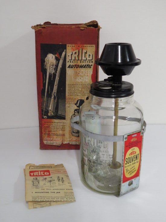 Lote: 22 - Lote: 22 - Antigua botella para lavaparabrisas