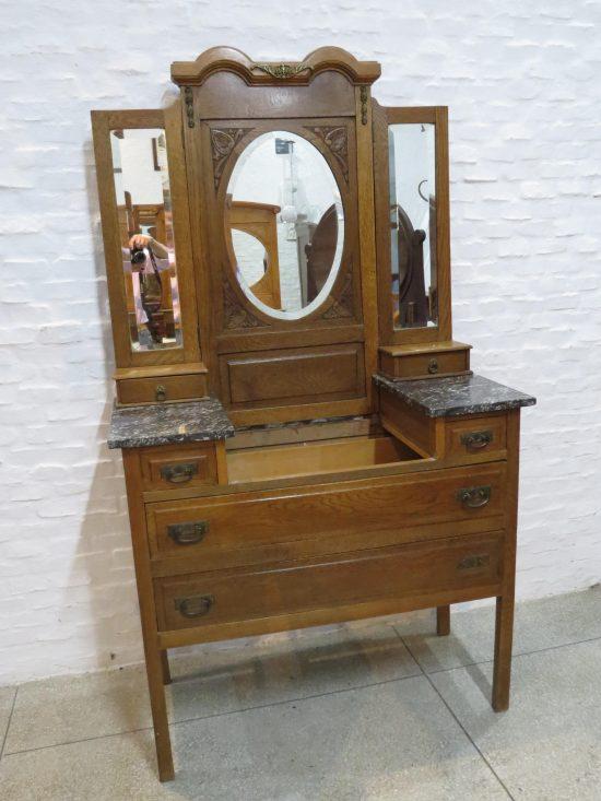 Lote: 94 - Lote: 94 - Toilette antiguo de roble