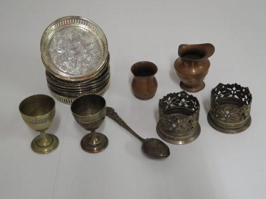 Lote: 4 - Lote: 4 - Lote de 15 piezas de metal