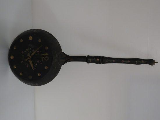 Lote: 110 - Lote: 110 - Reloj decorativo