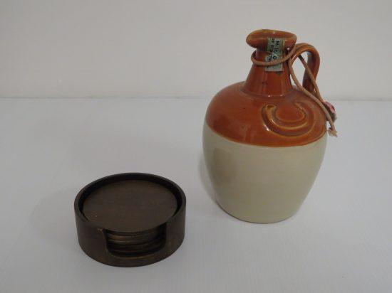 Lote: 111 - Lote: 111 - Porrón antiguo y posa vasos