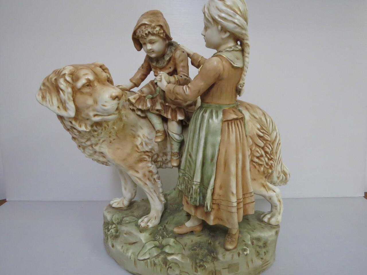 Lote: 55 - Lote: 55 - Pieza francesa en porcelana  fayans