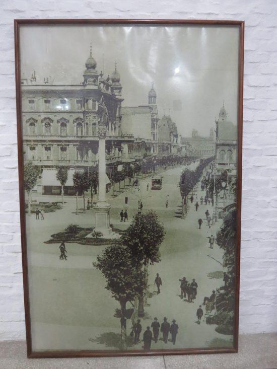 Lote: 51 - Lote: 51 - Cuadro con lámina de Montevideo antiguo