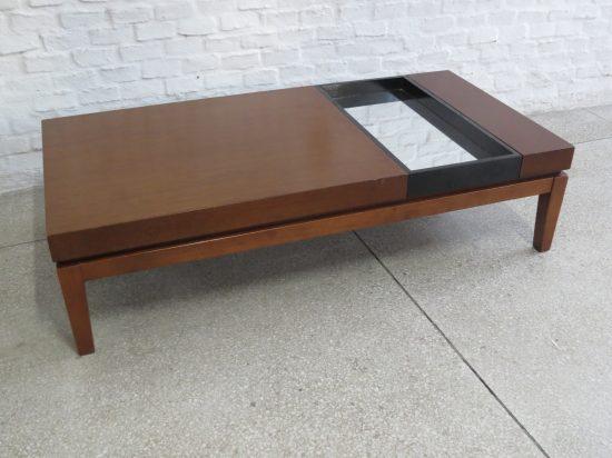 Lote: 45 - Lote: 45 - Mesa de sala en madera