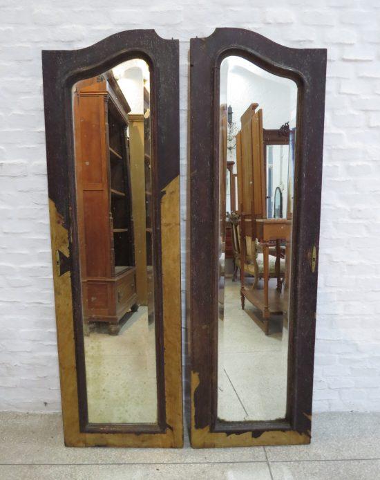 Lote: 52 - Lote: 52 - 2 puertas de ropero con espejos