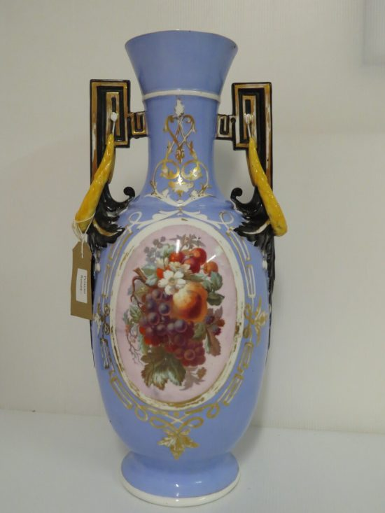 Lote: 54 - Lote: 54 - Jarrón Isabelino de porcelana
