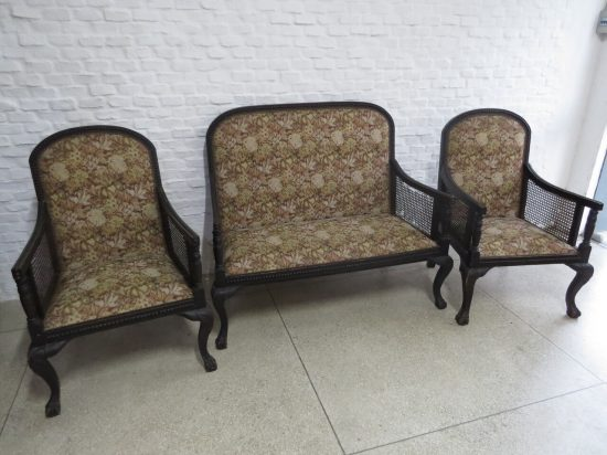 Lote: 53 - Lote: 53 - Juego de sillones Reina Ana