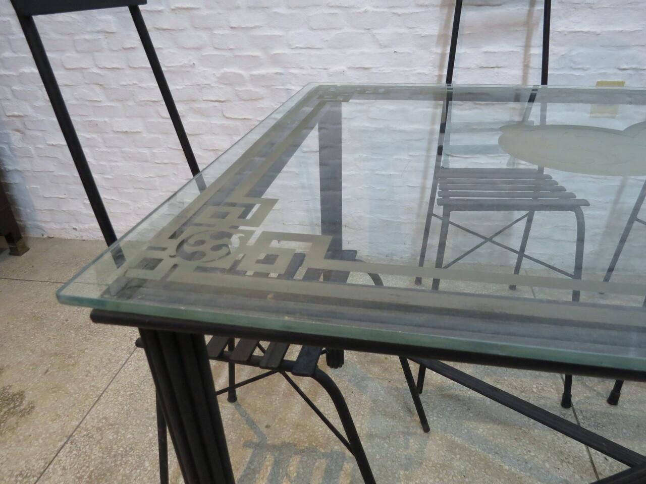 Lote: 108 - Lote: 108 - Juego de mesa de patio en hierro