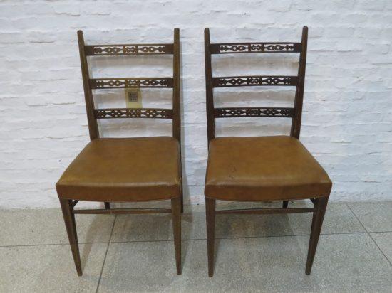 Lote: 44 - Lote: 44 - Par de sillas en cedro