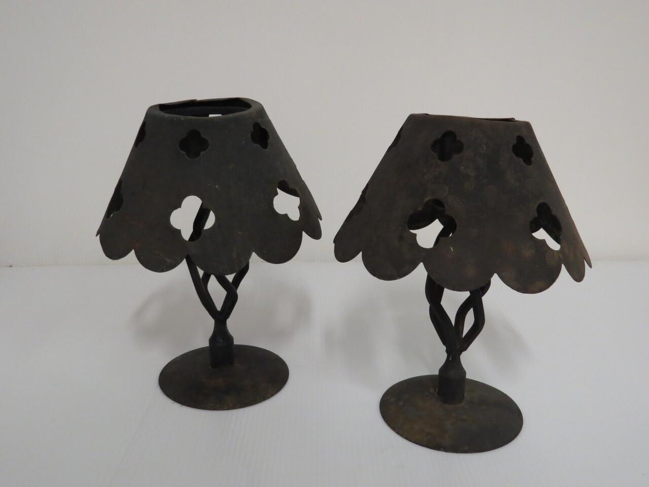 Lote: 3 - Lote: 3 - Par de candelabros en hierro