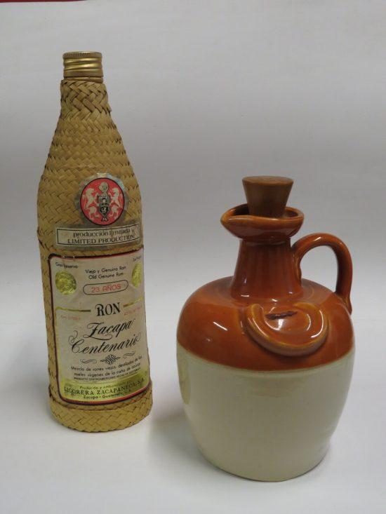 Lote: 2 - Lote: 2 - Porrón y botella de Ron