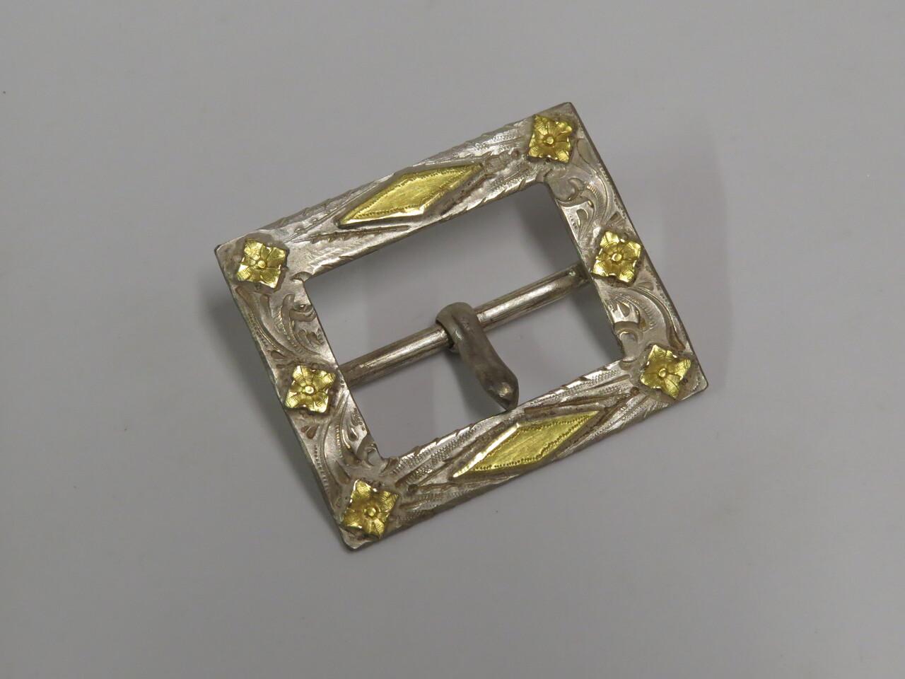 Lote: 68 - Lote: 68 - Hebilla de cinto en plata y oro