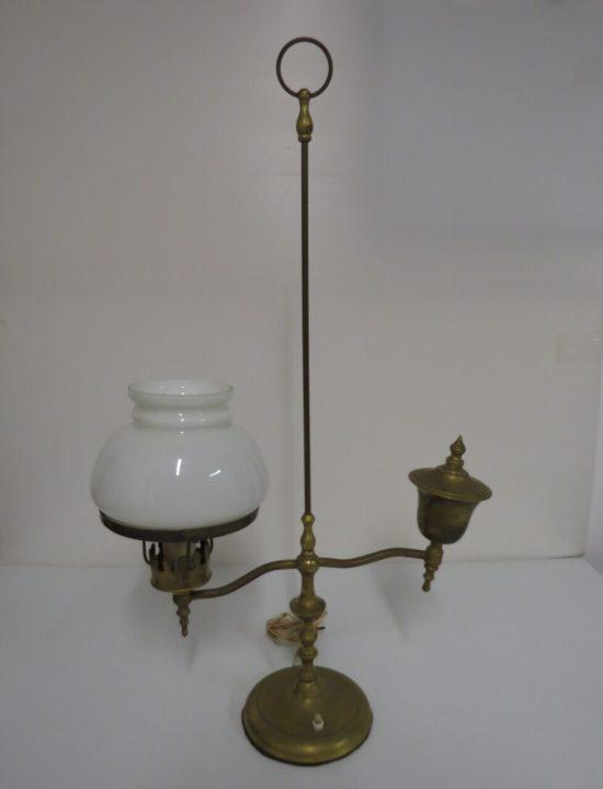 Lote: 13 - Lote: 13 - Lampara de mesa de bronce con tulipa