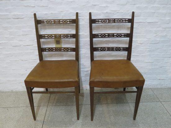 Lote: 52 - Lote: 52 - Par de sillas en cedro
