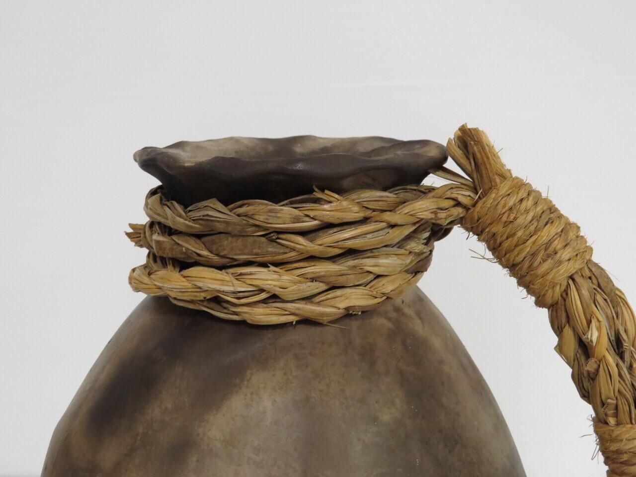 Lote: 30 - Lote: 30 - Jarrón de cerámica