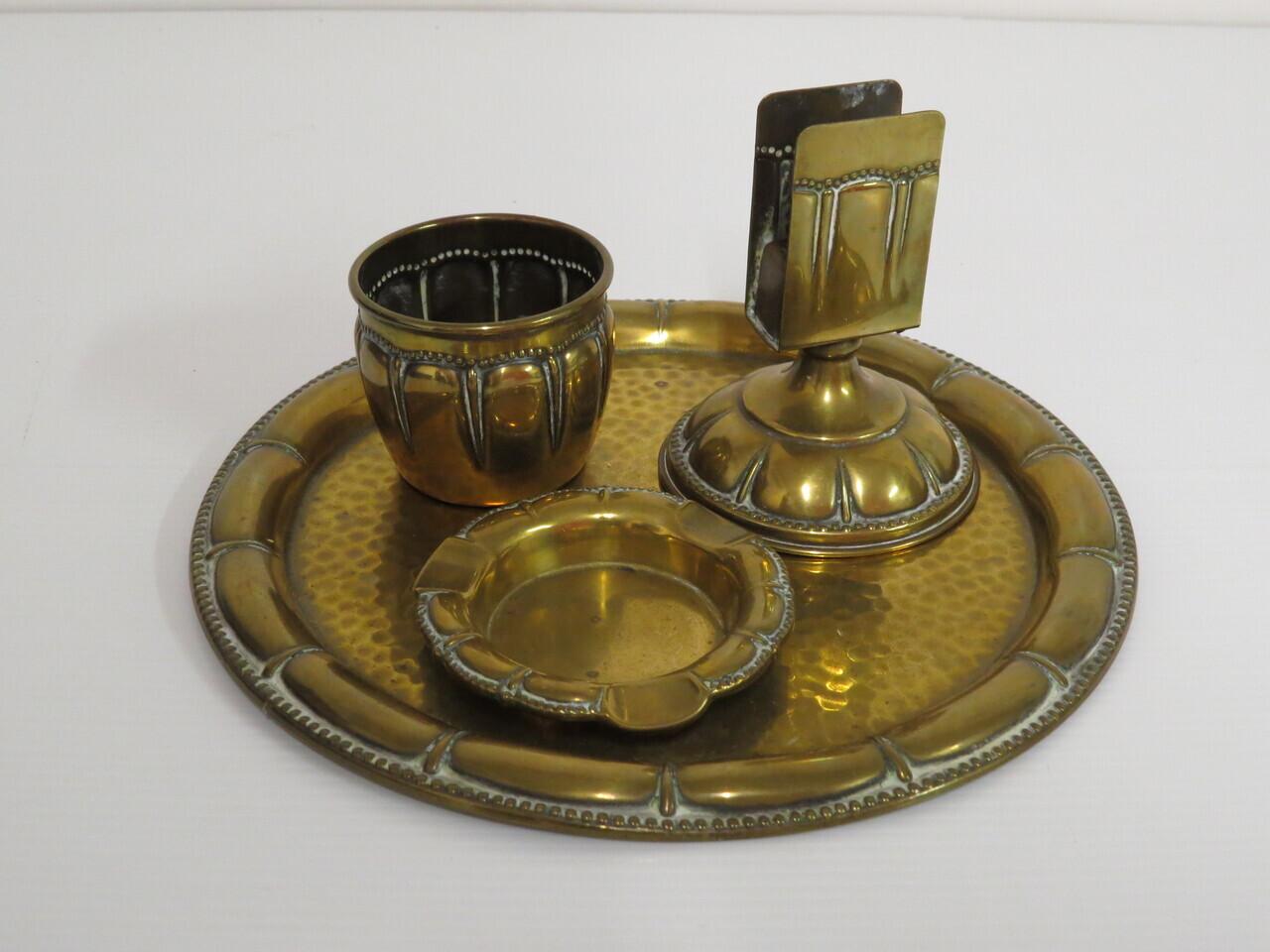Lote: 3 - Lote: 3 - Lote de piezas repujadas en bronce