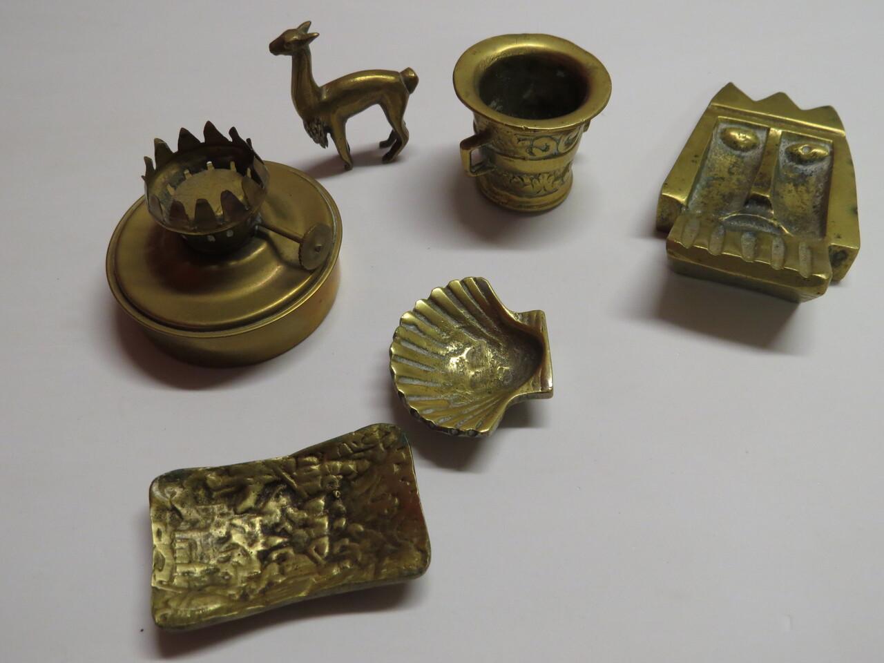 Lote: 15 - Lote: 15 - Lote de 6 piezas de bronce