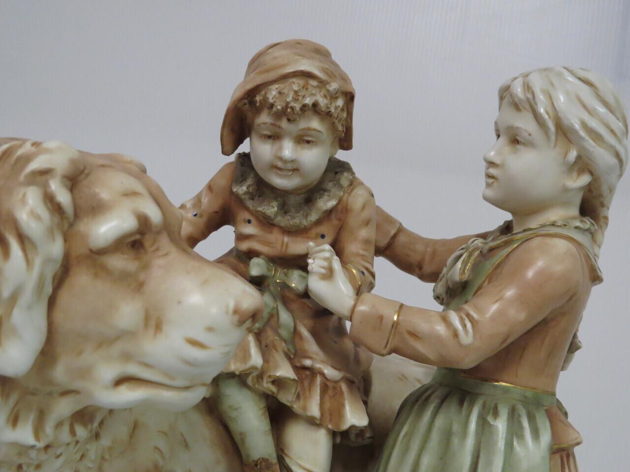 Lote: 76 - Lote: 76 - Pieza francesa en porcelana  fayans