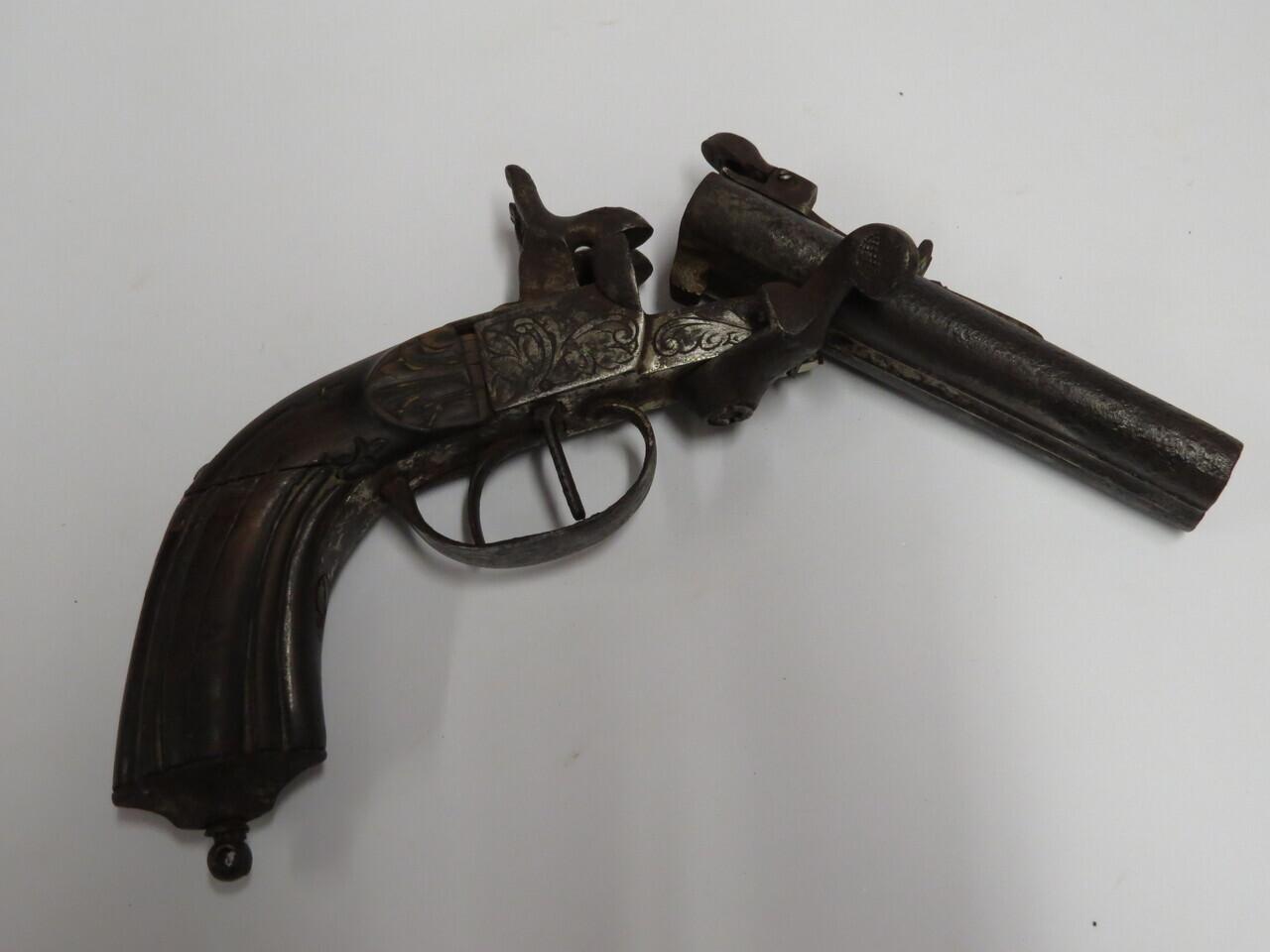 Lote: 45 - Lote: 45 - Pistola