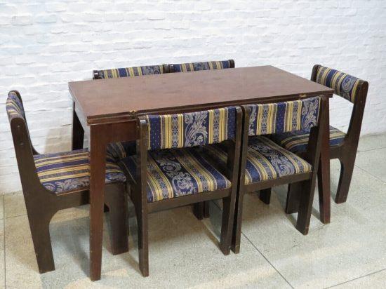 Lote: 144 - Lote: 144 - Mesa libro con 6 sillas