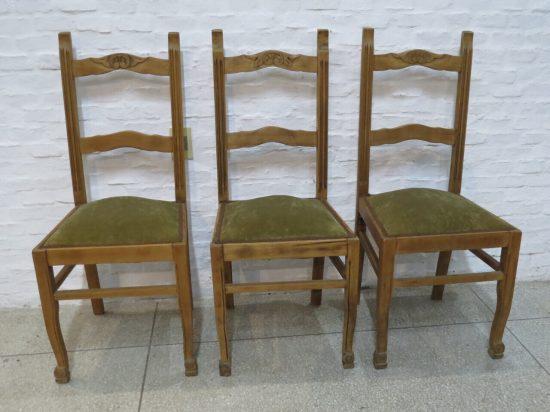 Lote: 121 - Lote: 121 - 3 sillas de pino