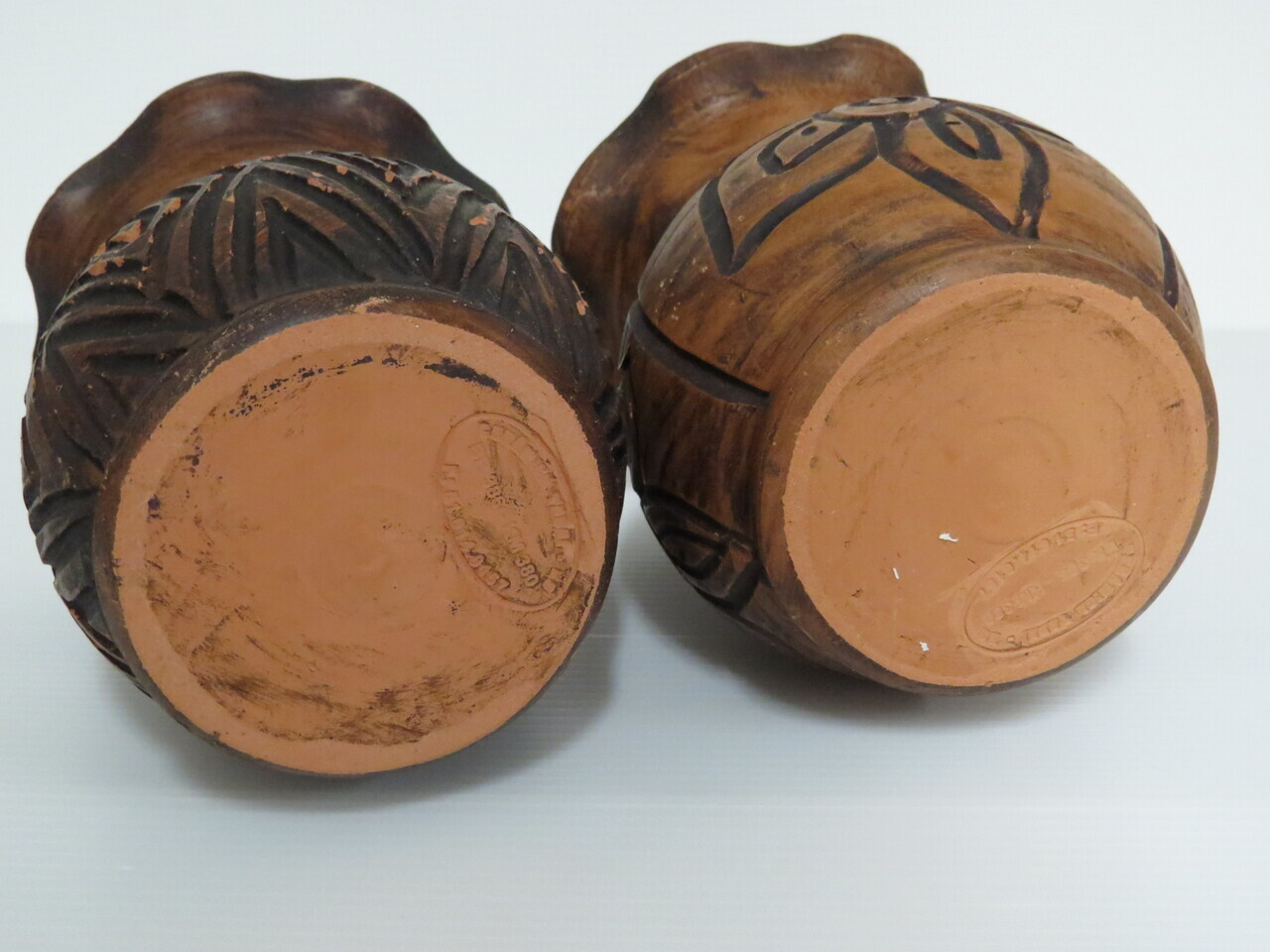 Lote: 2 - Lote: 2 - 2 floreros de cerámica