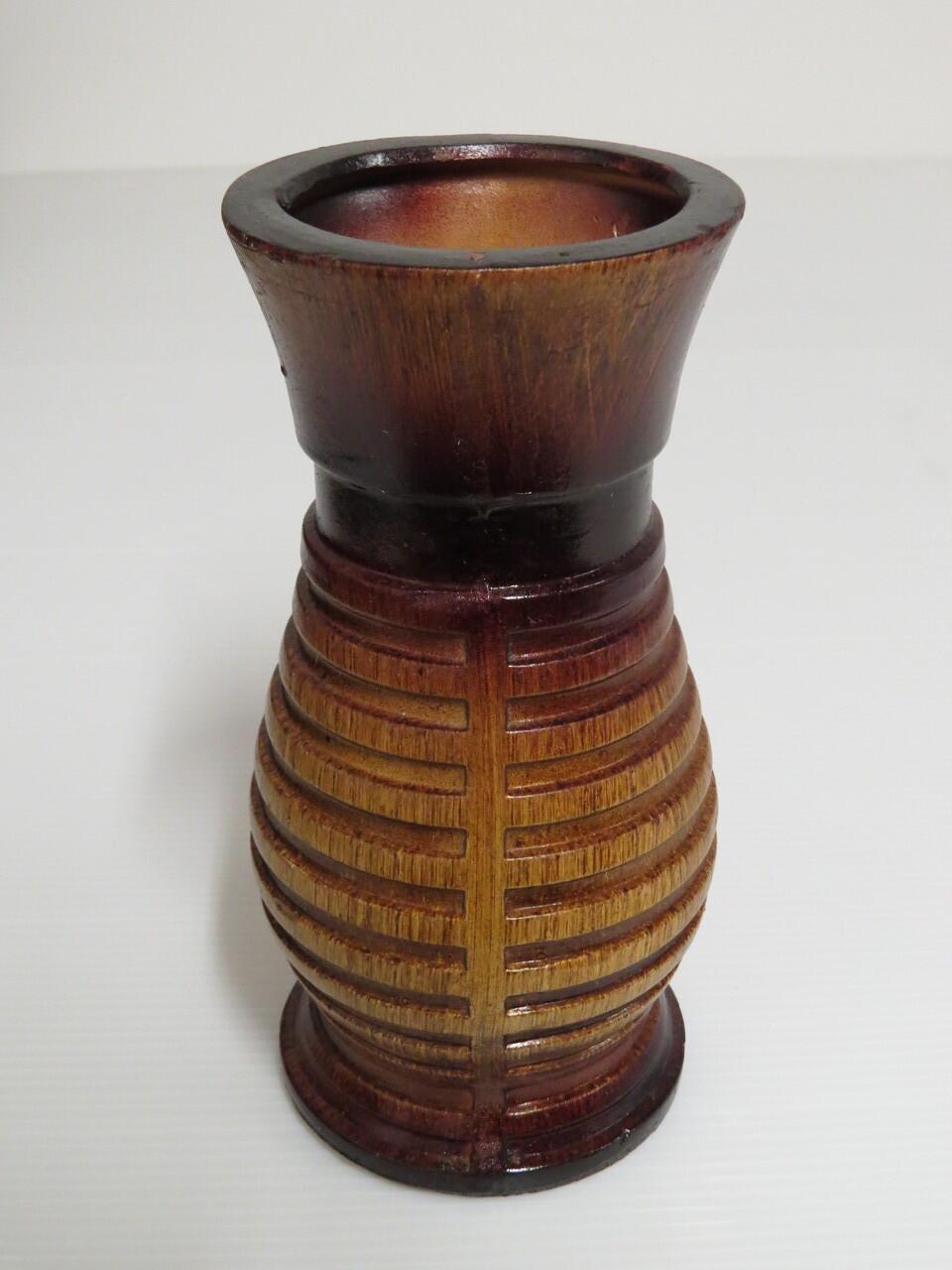 Lote: 4 - Lote: 4 - Florero de cerámica