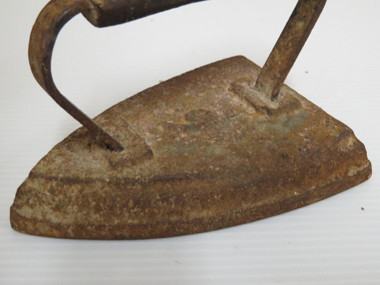 Lote: 93 - Lote: 93 - Plancha de hierro