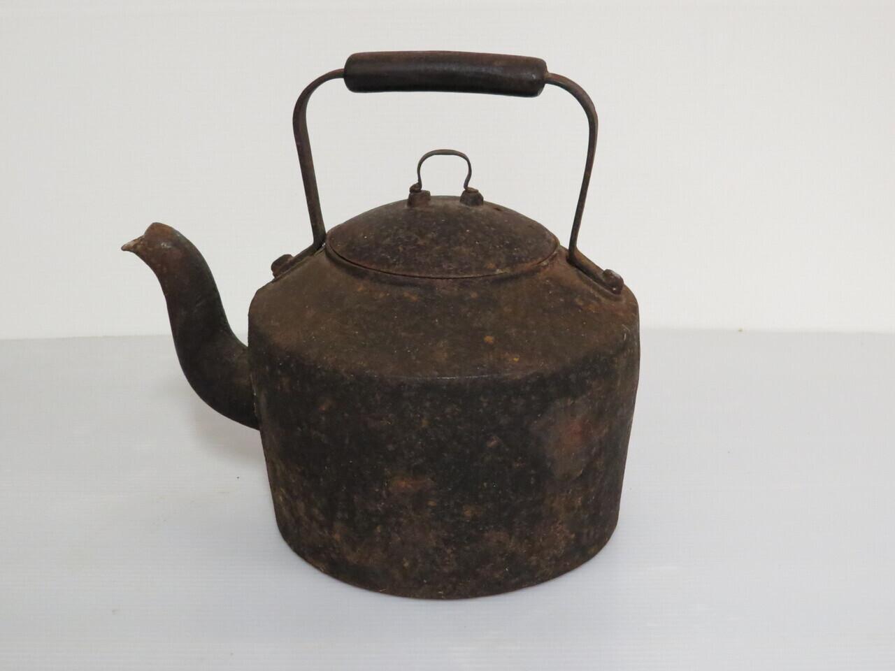 Lote: 104 - Lote: 104 - Caldera antigua de hierro