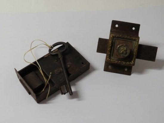 Lote: 8 - Lote: 8 - Lote de 2 cerraduras antiguas