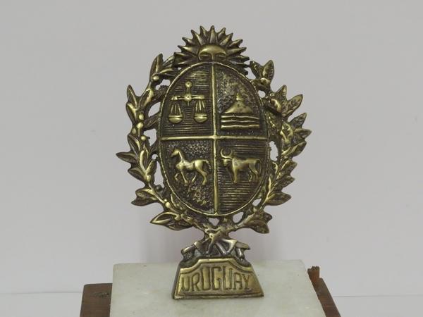 Lote: 1 - Lote: 1 - Escudo Nacional y busto Artigas