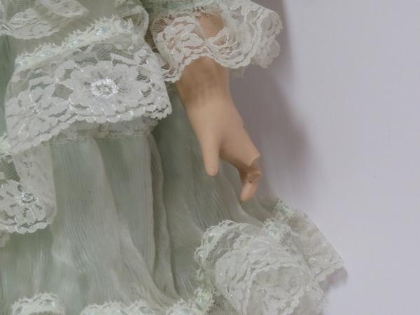 Lote: 20 - Lote: 20 - Muñeca porcelana